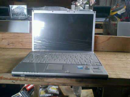 Clean uk used toshiba mini laptop,hp with 1gb ram and 40gb hd