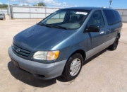 neat and clean toyota sienna 2001