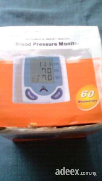 Low price digital blood pressure monitor almost new