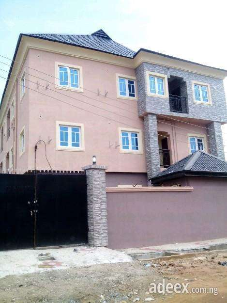 Best sale!!! 3bedroom flat for rent at freedom estate.ago palace. the best offer