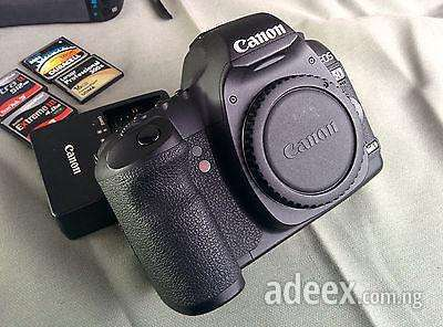 Powerful canon 5d mark ii bundle with 50mm lens, batteries, flash cards and much more buy it now or best offer