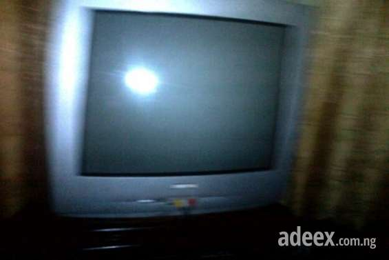 Extremely clean samsung color tv urgent sale